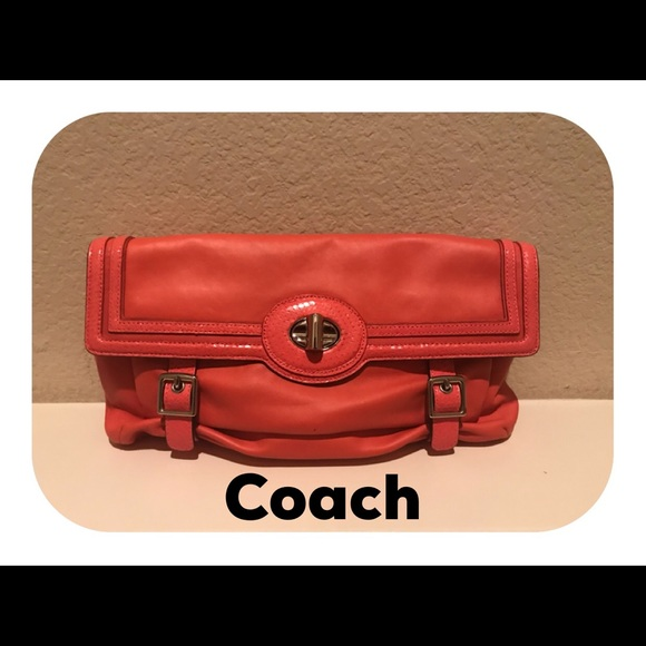Coach Handbags - Vintage COACH clutch